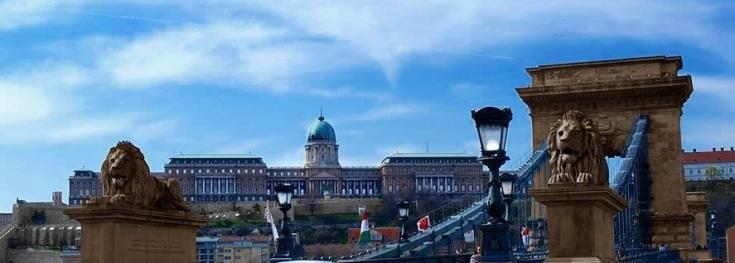 Chain Bridge and the Royal Castle