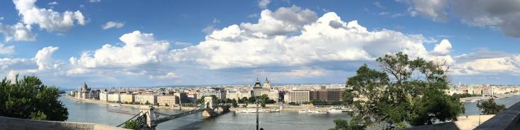 Panorama von der Burg von Buda